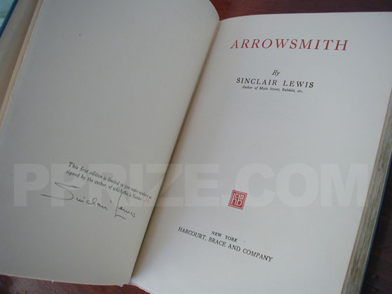The title page from the true first edition of Arrowsmith.