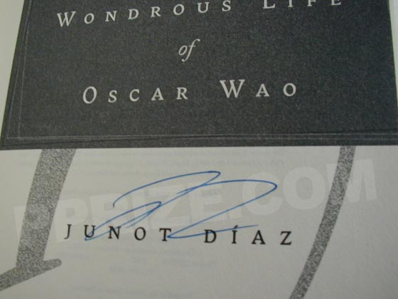 Autograph: Signature of Junot Diaz.