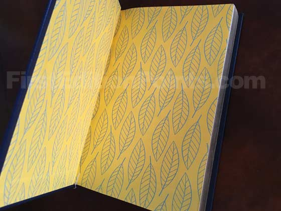 The Signed Collector's Edition of Go Set a Watchman has gold end-papers with a leaf