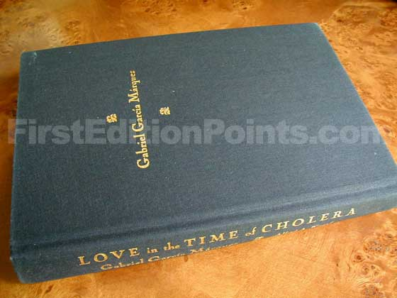 Picture of the first edition Alfred A. Knopf boards for Love in the Time of Cholera