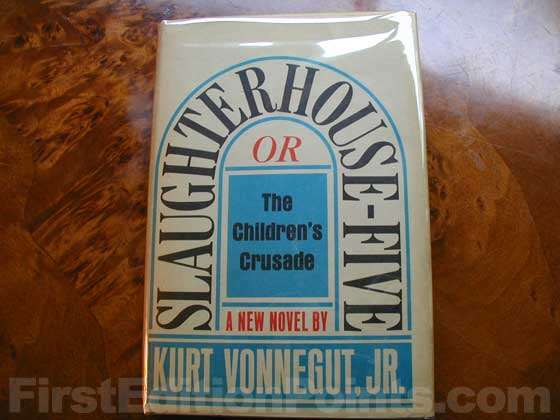 Picture of the 1969 first edition dust jacket for Slaughterhouse-Five.