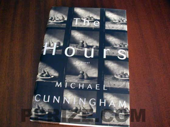 Picture of the 1998 first edition dust jacket for The Hours.