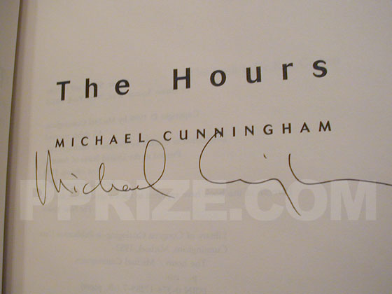 Autograph: Signature of Michael Cunningham.