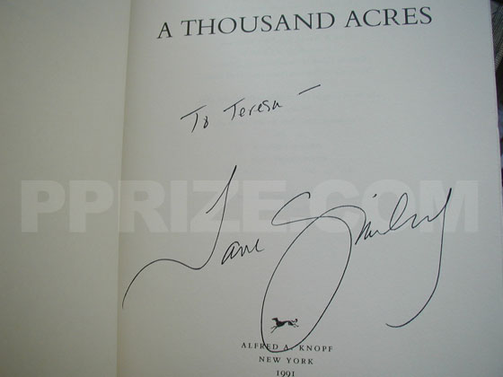 Autograph: Signature of Jane Smiley.