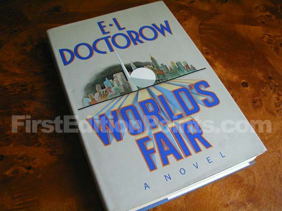 Picture of the 1985 first edition dust jacket for World's Fair.